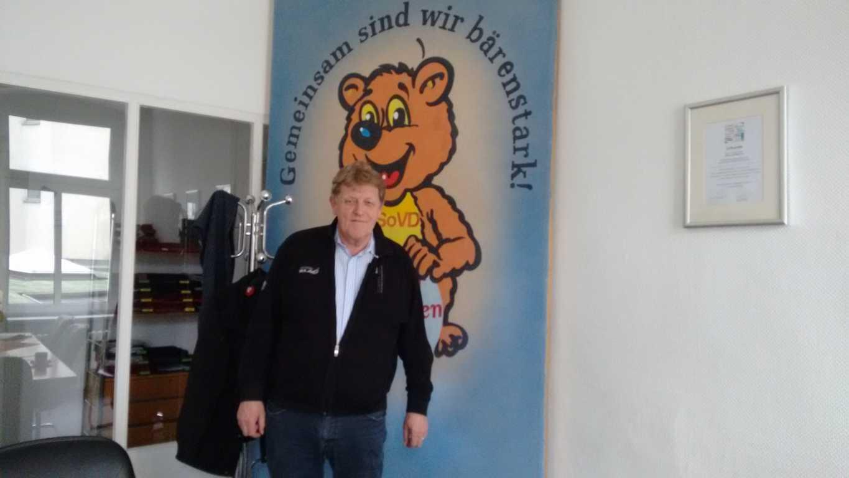 der Berliner Landesvorsitzende des SoVD, Herr Wiedeburg